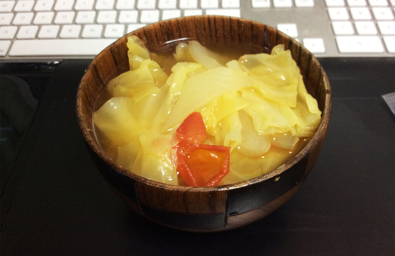 キャベツと玉ねぎのスープ